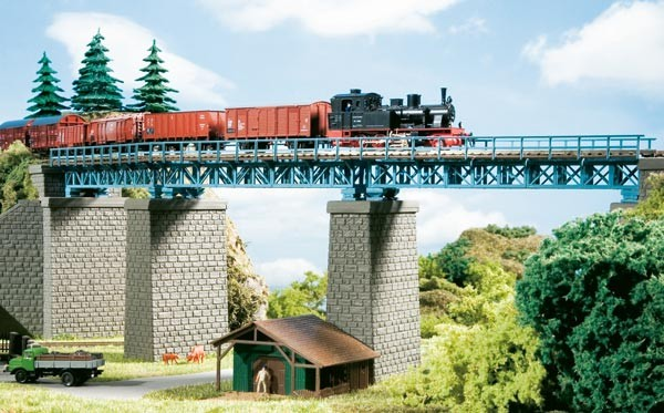 Stahlbrücke im Bogen (TT)