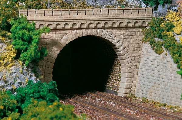 2 Tunnelportale mit Flügelm. 2gleisig H0