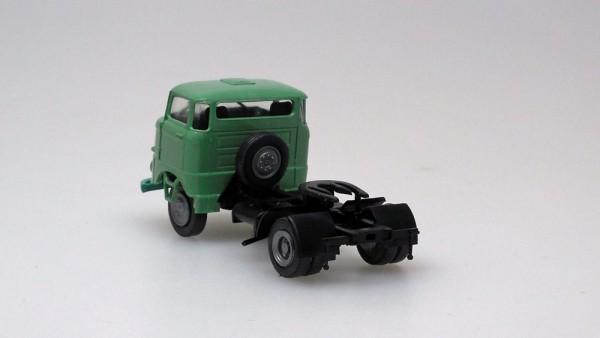 W50-Sattelzugmaschine, grün (Bausatz)