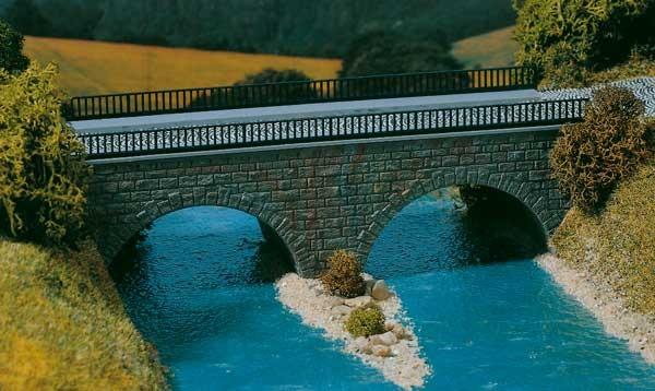 Kleine Straßenbrücke (2 Rundbögen) H0